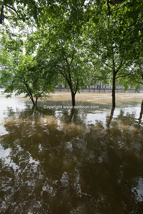 Paris . Flooding . The Seine river  in Paris city center, The quay des celestins on the Right bank and saint Louis island in the distance