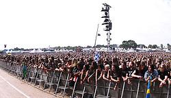 07.08.2010, Wacken Open Air 2010, Wacken, GER, 3.Tag beim 21.Heavy Metal Festival Fans vor der Konzert Buehne, EXPA Pictures © 2010, PhotoCredit: EXPA/ nph/  Kohring+++++ ATTENTION - OUT OF GER +++++ / SPORTIDA PHOTO AGENCY