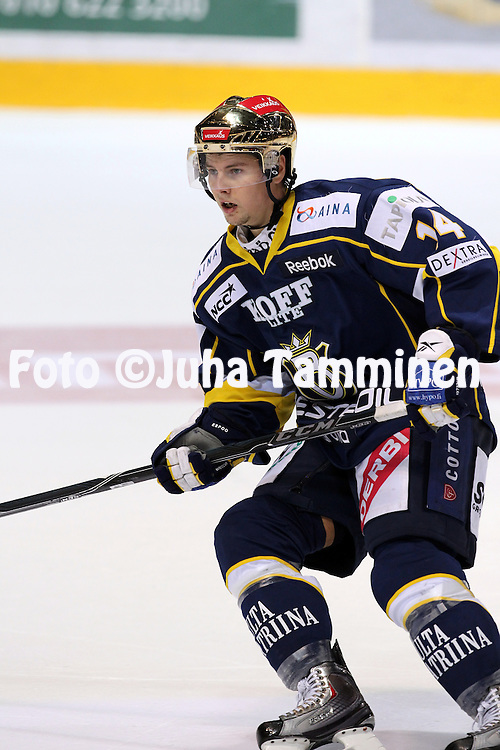25.09.2010, Barona Areena, Espoo..J??kiekon SM-liiga 2010-11..Blues - K?rp?t..Petri Lammassaari - Blues.©Juha Tamminen.