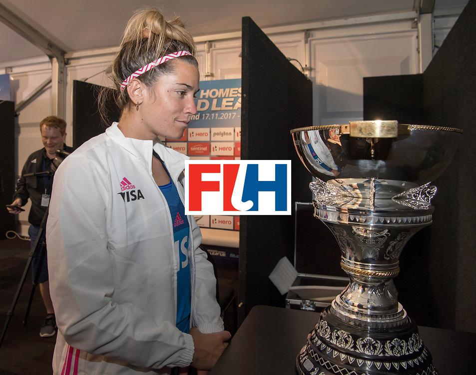 AUCKLAND - Sentinel Hockey World League final women<br /> Match id: 10304<br /> 14 ARG v NZL 1-2<br /> Foto: Agustina Albertarrio watching the WC<br /> WORLDSPORTPICS COPYRIGHT FRANK UIJLENBROEK