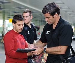 26.05.2010, Flughafen, Graz, AUT, FIFA Worldcup Vorbereitung, Ankunft Neuseeland, im Bild Ryan Nelson, Ankunft des Teams Neuseeland am Flughafen Graz Thalerhof, EXPA Pictures © 2010, PhotoCredit: EXPA/ S. Zangrando / SPORTIDA PHOTO AGENCY