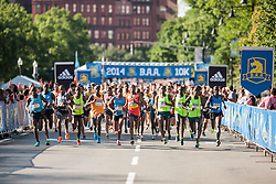 2014 Boston Athletic Association 10K road race: start