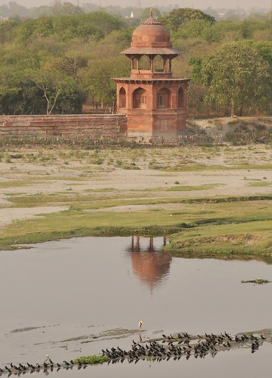 Un détail de la vue à l'arrière du Taj Mahal