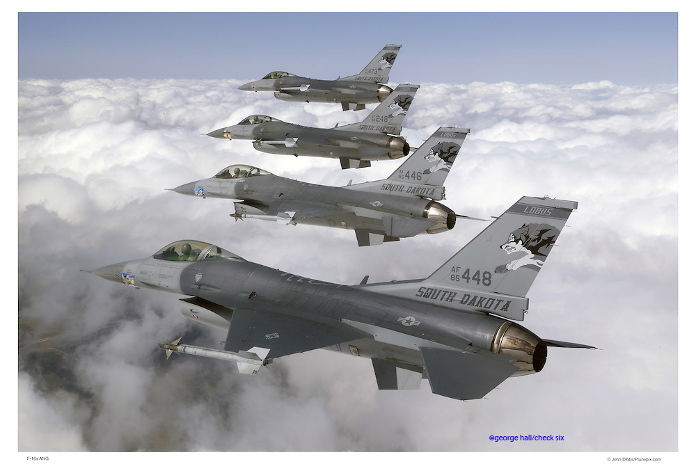 F-16s in flight formation
