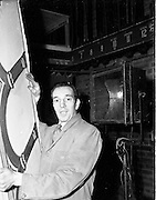 13/11/1952<br /> 11/13/1952<br /> 13 November 1952<br /> Mr. Peter Glennon, Theatre Royal stage hand at the Theatre Royal, Hawkins Street, Dublin.