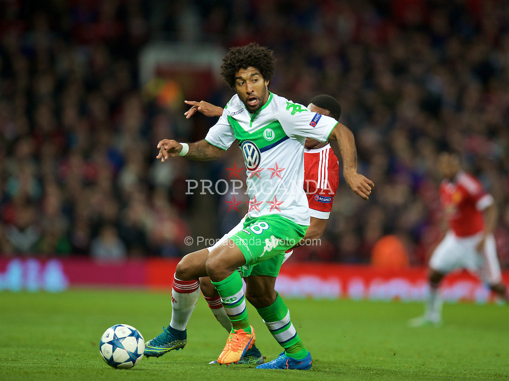 MANCHESTER, ENGLAND - Wednesday, September 30, 2015: VfL Wolfsburg's Dante Bonfim Costa Santos in action against Manchester United during the UEFA Champions League Group B match at Old Trafford. (Pic by David Rawcliffe/Propaganda)