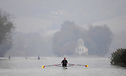 Henley-on-Thames. GREAT BRITAIN,  International training, on the Henley long course, New Zealand's, two times World Champion - Single Sculls - Mahe DRYSDALE training on the River Thames,  at Henley Tue. 07/11/2006, England. Photo, Peter Spurrier/Intersport-images]..... , Rowing Courses, Henley Reach, Henley, ENGLAND