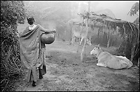 Nepal. Region du Teraï. Population Tharu.// Nepal. Teraï area. Tharu ethnic group.