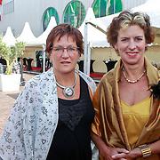 NLD/Amsterdam/20110618 - Amsterdamdiner 2011, Gerda Verburg en partner Willy westerlaken