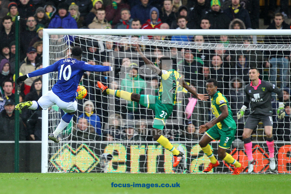 Romelu Lukaku of Everton has his shot blocked by Alexander Tettey of Norwich during the Barclays Premier League match at Carrow Road, Norwich<br /> Picture by Paul Chesterton/Focus Images Ltd +44 7904 640267<br /> 12/12/2015