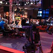 NLD/Scheveningen/20120604 - 1e uitzending VI Oranje met Wilfred Genee en Johan Derksen, camera opname