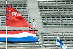 09-07-2006 ATLETIEK: NK BAAN: AMSTERDAM<br /> Weinig publiek bij het NK 2006<br /> ©2006-WWW.FOTOHOOGENDOORN.NL