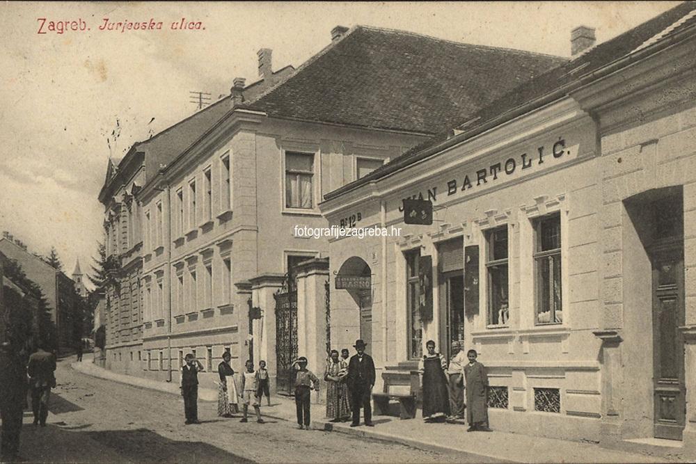 Zagreb : Jurjevska ulica. <br /> <br /> Impresum[S. l. : S. n., 1911].<br /> Materijalni opis1 razglednica : tisak ; 8,9 x 13,5 cm.<br /> Vrstavizualna građa • razglednice<br /> ZbirkaGrafička zbirka NSK • Zbirka razglednica<br /> Formatimage/jpeg<br /> PredmetZagreb –– Jurjevska ulica<br /> SignaturaRZG-JURJ-1<br /> Obuhvat(vremenski)20. stoljeće<br /> NapomenaRazglednica je putovala 1911. godine.<br /> PravaJavno dobro<br /> Identifikatori000955248<br /> NBN.HRNBN: urn:nbn:hr:238:373818 <br /> <br /> Izvor: Digitalne zbirke Nacionalne i sveučilišne knjižnice u Zagrebu