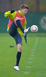 09.11.2010, Platz 5, Bremen, GER, Training Werder Bremen, im Bild   Ballannahme Sebastian Prödl / Proedl ( Werder #15))  EXPA Pictures © 2010, PhotoCredit: EXPA/ nph/  Kokenge+++++ ATTENTION - OUT OF GER +++++