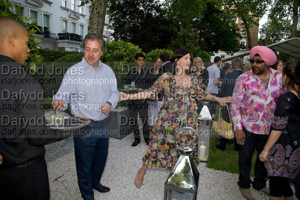 BEN ANDERSON; KIRSTY ALLSOP; HARDEEP SINGH KOHLI;  Tatler Summer Party. The Hempel. Craven Hill Gdns. London. 25 June 2008 *** Local Caption *** -DO NOT ARCHIVE-© Copyright Photograph by Dafydd Jones. 248 Clapham Rd. London SW9 0PZ. Tel 0207 820 0771. www.dafjones.com.