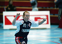 Håndball, 26. september 2002. Treningskamp, Norge - Jugoslavia 31-19. Karoline Dyhre Breivang Norge.