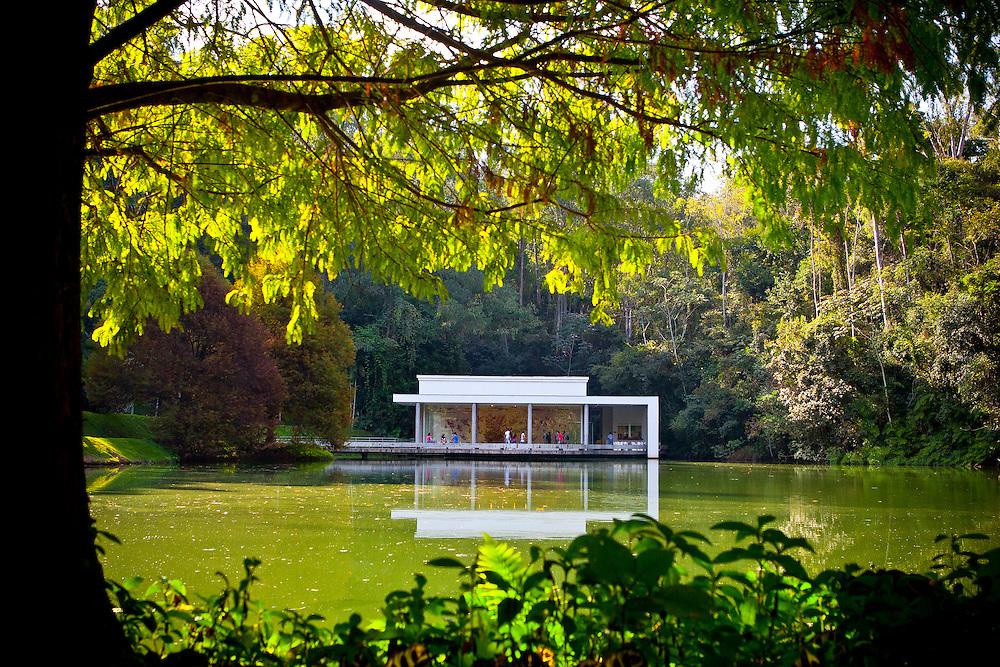 Brumadinho_MG, Brasil...Galeria True Rouge no Centro de Arte Contemporanea Inhotim (CACI)...The True Rouge gallery in the Inhotim Contemporary Art Center (CACI)...Foto: RODRIGO LIMA / NITRO