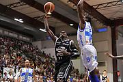 DESCRIZIONE : Campionato 2014/15 Dinamo Banco di Sardegna Sassari - Virtus Granarolo Bologna<br /> GIOCATORE : Jeremy Hazell<br /> CATEGORIA : Tiro Penetrazione Sottomano<br /> SQUADRA : Virtus Granarolo Bologna<br /> EVENTO : LegaBasket Serie A Beko 2014/2015<br /> GARA : Dinamo Banco di Sardegna Sassari - Virtus Granarolo Bologna<br /> DATA : 12/10/2014<br /> SPORT : Pallacanestro <br /> AUTORE : Agenzia Ciamillo-Castoria / Luigi Canu<br /> Galleria : LegaBasket Serie A Beko 2014/2015<br /> Fotonotizia : Campionato 2014/15 Dinamo Banco di Sardegna Sassari - Virtus Granarolo Bologna<br /> Predefinita :