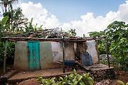Haïti, Département du Sud, Suite au passage de l'ouragan Matthew en octobre 2016, le CECI a permis à des centaines familles de retourner vivre dans leurs maisons, en réparant leurs toitures endommagées.
