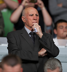 LIVERPOOL, ENGLAND - Saturday, April 23, 2011: Former Liverpool player, coach and care-taker manager Ronnie Moran during the Premiership match against Birmingham City at Anfield. (Photo by David Rawcliffe/Propaganda)