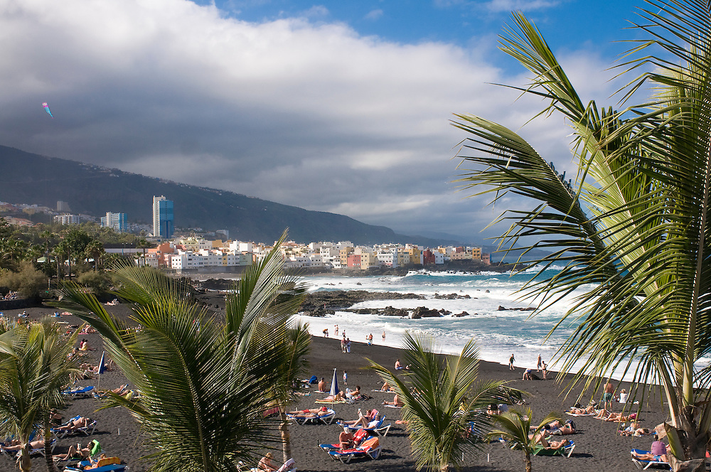 The volcanic beach of Puerto Cruz, Teneriffa, Canary islands,Spain