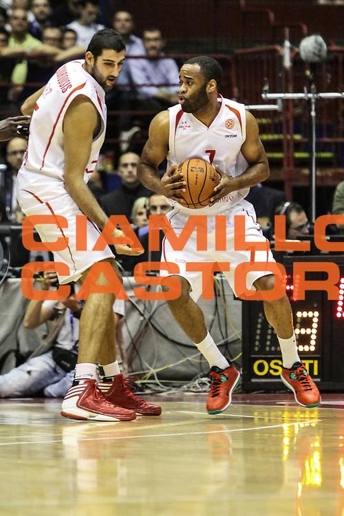 DESCRIZIONE : Milano Nba Europe Live Tour 2012 Ea7 Emporio Armani Milano Boston Celtics<br /> GIOCATORE : Malik Hairston Ioannis Bourousis<br /> CATEGORIA : passaggio penetrazione<br /> SQUADRA :  Ea7 Emporio Armani Milano<br /> EVENTO : Campionato Lega A 2012-2013<br /> GARA : Ea7 Emporio Armani Milano Boston Celtics<br /> DATA : 07/10/2012<br /> SPORT : Pallacanestro <br /> AUTORE : Agenzia Ciamillo-Castoria/A.Catellani<br /> Galleria : Lega Basket A 2012-2013  <br /> Fotonotizia : Milano Nba Europe Live Tour 2012 Ea7 Emporio Armani Milano Boston Celtics<br /> Predefinita :