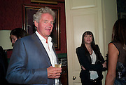 COUNT Leopold von Bismarck; ANNABEL NEILSON, Dinner hosted by Elizabeth Saltzman for Mario Testino and Kate Moss. Mark's Club. London. 5 June 2010. -DO NOT ARCHIVE-© Copyright Photograph by Dafydd Jones. 248 Clapham Rd. London SW9 0PZ. Tel 0207 820 0771. www.dafjones.com.