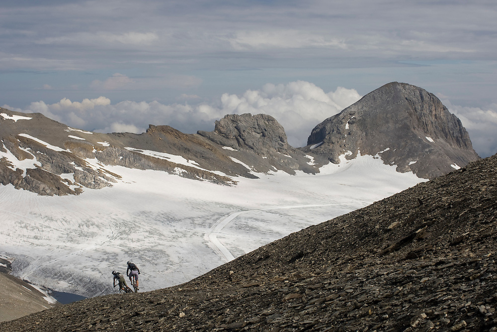 René Wildhaber and Katja Rupt on their supertrail from Cran-Montana to Saint-Leonard (Wallis, Switzerland)