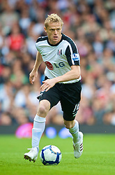 LONDON, ENGLAND - Sunday, September 13, 2009: Fulham's Damien Duff in action against Everton during the Premiership match at Craven Cottage. (Photo by David Rawcliffe/Propaganda)