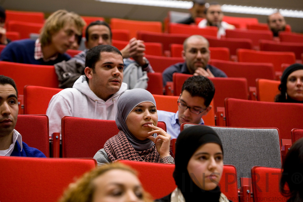 AMSTERDAM - NETHERLANDS - 06 MARCH 2008 -- Students at the opening of the Moroccan Dutch Leadership Institute at the Vrije Universiteit. Photo: Erik Luntang