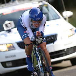 04-09-2015: Wielrennen: Ladiestour: Oosterhout OOSTERHOUT (NED) wielrennen<br />De vierde etappe was in Oosterhout een gevecht tegen het uurwerk. Annemiek van Vleuten werd na haar blessure achtste op de tijdrit
