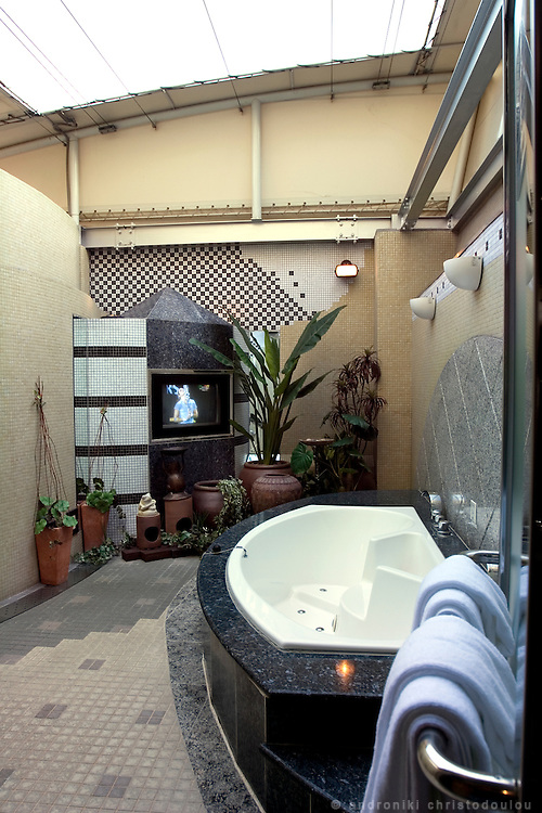 P&A PLAZA ART HOTEL-SHIBUYA.  Outdoors jakuji-bathroom.