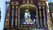 La devoción religiosa del Cristo Negro de Portobelo parece ser una de las más populares, en la República de Panamá. Según las investigaciones realizadas sobre el tema, se dice que esta devoción se remonta a los tiempos de la colonia, cuando se cuenta que un 21 de octubre de 1658 llegó, a la playa de la comunidad panameña de Portobelo, la imagen del Cristo Negro. Solo son suposiciones, ya que todavía no se tienen referencias históricas precisas sobre este tema, pero por algunos cálculos intuitivos se puede decir que la imagen lleva en Portobelo más de dos siglos.©Victoria Murillo/ Istmophoto.com