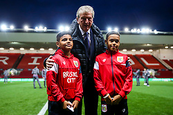 Crystal Palace Manager Roy Hodgson pauses for a photo witht he Bristol City matchday mascots before the game - Rogan/JMP - 24/10/2017 - Ashton Gate Stadium - Bristol, England - Bristol City v Crystal Palace - Carabao Cup Round of 16.