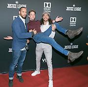 2017-11-15. Vue Cinemas Hilversum. Premiere van Justice League. Op de foto: Tarikh Janssen, Rein van Duivenboden en Juvat Westendorp