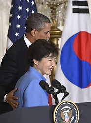 59613456  .U.S. President Barack Obama (R) shakes hands with visiting South Korean President Park Geun-hye during a joint press conference after their meetings in the East Room of the White House in Washington D.C., capital of the United States, May 7, 2013. Photo by:  imago / i-Images.UK ONLY