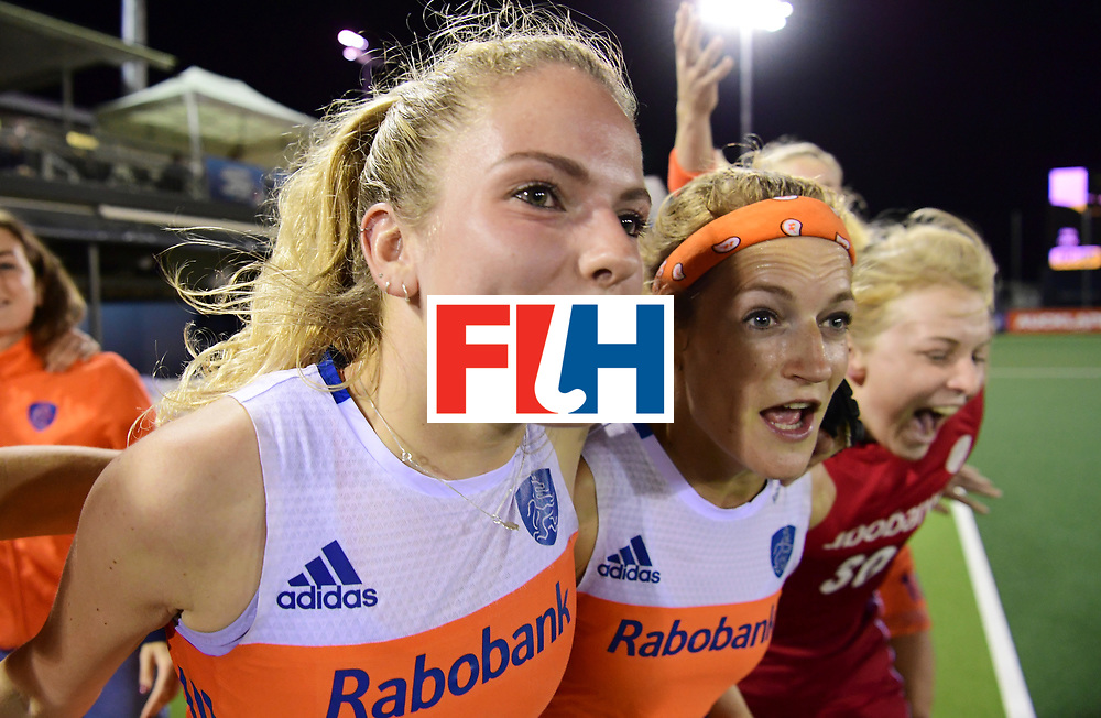 AUCKLAND - Sentinel Hockey World League final women<br /> Match id:10322<br /> 22 NED v NZL (Final)<br /> Foto: Maartje Krekelaar, Carlien Dirkse van den Heuvel, Carlien Dirkse van den Heuvel, en .Julia Remmerswaal (Gk) <br /> Netherlands wins the Sentinel Hockey World League<br /> WORLDSPORTPICS COPYRIGHT FRANK UIJLENBROEK