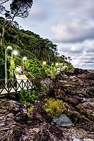 Passarela do Pontal Norte, que leva até a Praia do Buraco. Balneário Camboriú, Santa Catarina, Brasil. / Footbridge at Pontal Norte, wich leads to Buraco Beach. Balneario Camboriu, Santa Catarina, Brazil.