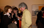Lord Ogilvy, Catherine Goodman and David Dawson: 2 London painters-private view. Marlborough. 23 November 2004. ONE TIME USE ONLY - DO NOT ARCHIVE  © Copyright Photograph by Dafydd Jones 66 Stockwell Park Rd. London SW9 0DA Tel 020 7733 0108 www.dafjones.com