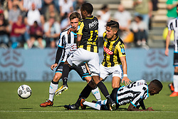 (L-R) Reuven Niemeijer of Heracles Almelo, Thulani Serero of Vitesse, Navarone Foor of Vitesse, Jamiro Monteiro of Heracles Almelo during the Dutch Eredivisie match between Heracles Almelo and Vitesse Arnhem at Polman stadium on October 15, 2017 in Almelo, The Netherlands