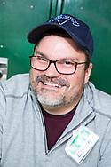Volontären Brian Tate, 47, lagade familjen Cashs köksmaskin.