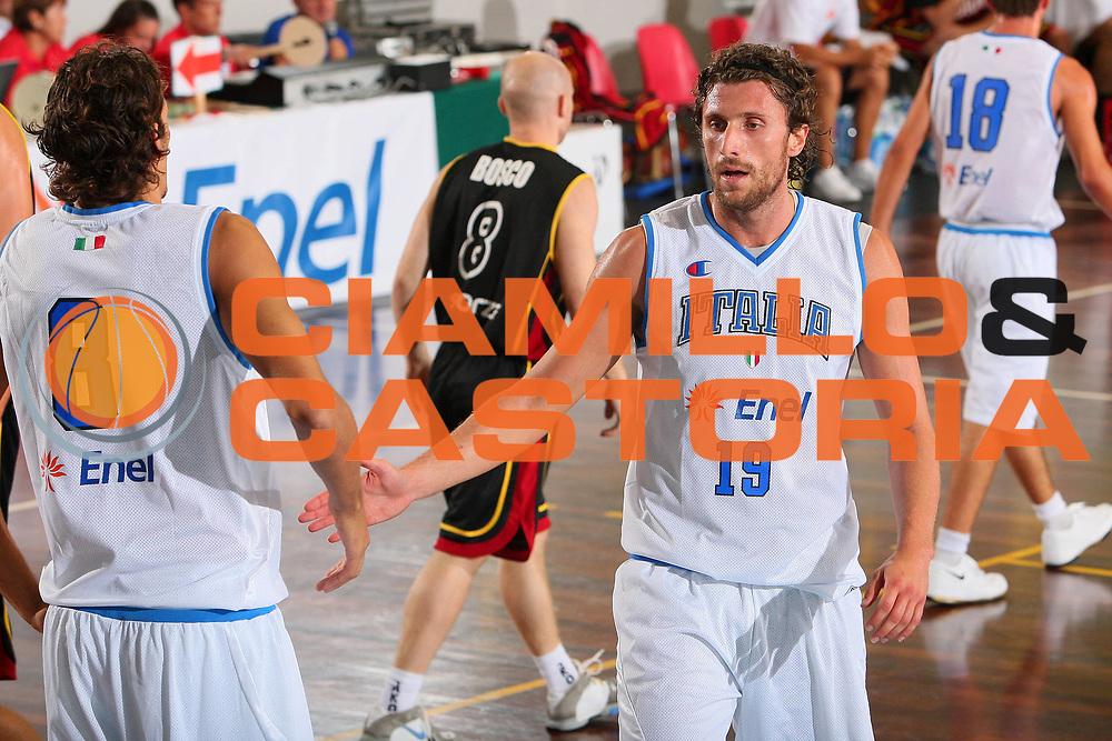 DESCRIZIONE : Cagliari Torneo Internazionale Sardegna a canestro Belgio Italia <br /> GIOCATORE : Luca Infante <br /> SQUADRA : Nazionale Italia Uomini <br /> EVENTO : Raduno Collegiale Nazionale Maschile <br /> GARA : Belgio Italia Belgium Italy <br /> DATA : 14/08/2008 <br /> CATEGORIA : Esultanza <br /> SPORT : Pallacanestro <br /> AUTORE : Agenzia Ciamillo-Castoria/S.Silvestri <br /> Galleria : Fip Nazionali 2008 <br /> Fotonotizia : Cagliari Torneo Internazionale Sardegna a canestro Belgio Italia <br /> Predefinita :