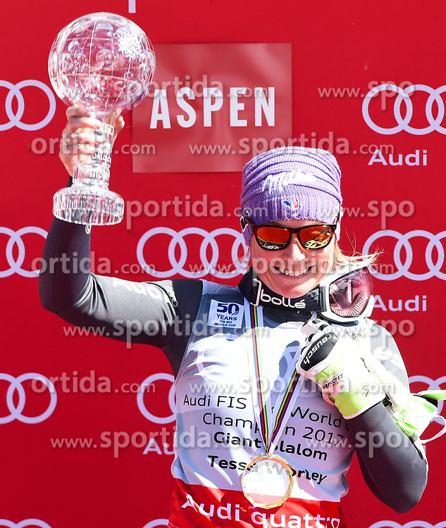 19.03.2017, Aspen, USA, FIS Weltcup Ski Alpin, Finale 2017, Riesenslalom, Damen, Siegerehrung, im Bild Tessa Worley (FRA, Gewinnerin Riesen Slalom Weltcup) mit der Kristrallkugel für den Riesenslalom Weltcupsieg // winner of the Giant Slalom World Cup Tessa Worley of France with the crystal gobe for the ladie's Giantslalom World Cup during the winner presentation for the ladie's Giantslalom of 2017 FIS ski alpine world cup finals. Aspen, United Staates on 2017/03/19. EXPA Pictures © 2017, PhotoCredit: EXPA/ Erich Spiess