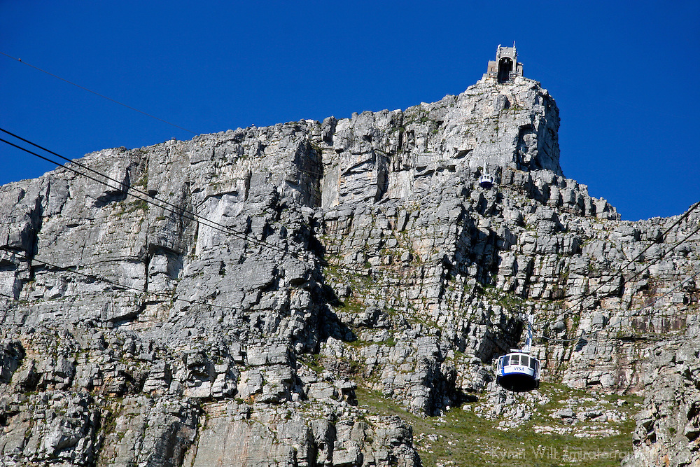Africa, South Africa, Cape Town. Table Mountain and aerial cableway.