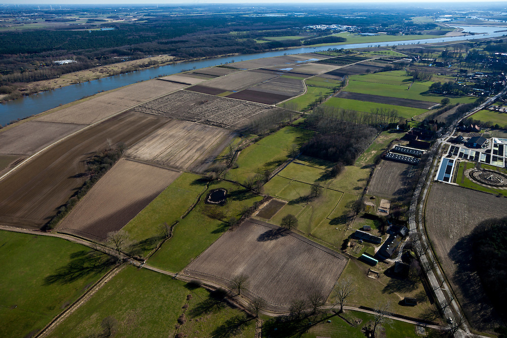 Nederland, Noord-Limburg, Gemeente Broekhuizen, 07-03-2010; uitgestrekte uitwaarden van de Maas, Maasakkers, velden, akkers, bomen..Vast plains of the Meuse, fields..luchtfoto (toeslag), aerial photo (additional fee required).foto/photo Siebe Swart