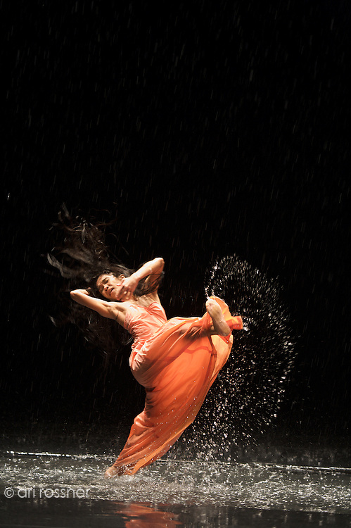 First representation of the company in Paris after Pina Bausch's death<br>Ditta Miranda Jasjfi