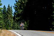 Lieke de Cock rijdt een trainingsrit tijdens de acclimatisatie periode in Peninsula, Californie. Het Human Power Team Delft en Amsterdam, dat bestaat uit studenten van de TU Delft en de VU Amsterdam, is in Amerika om tijdens de World Human Powered Speed Challenge in Nevada een poging te doen het wereldrecord snelfietsen voor vrouwen te verbreken met de VeloX 8, een gestroomlijnde ligfiets. Het record is met 121,81 km/h sinds 2010 in handen van de Francaise Barbara Buatois. De Canadees Todd Reichert is de snelste man met 144,17 km/h sinds 2016.<br /> <br /> With the VeloX 8, a special recumbent bike, the Human Power Team Delft and Amsterdam, consisting of students of the TU Delft and the VU Amsterdam, wants to set a new woman's world record cycling in September at the World Human Powered Speed Challenge in Nevada. The current speed record is 121,81 km/h, set in 2010 by Barbara Buatois. The fastest man is Todd Reichert with 144,17 km/h.