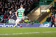 Dundee&rsquo;s Marcus Haber curls home his side's consolation goal - Celtic v Dundee in the Ladbrokes Scottish Premiership at Celtic Park, Glasgow. Photo: David Young<br /> <br />  - &copy; David Young - www.davidyoungphoto.co.uk - email: davidyoungphoto@gmail.com