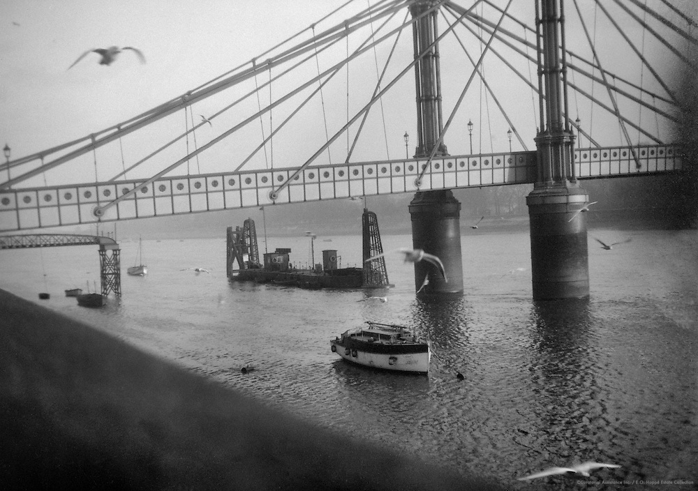 Albert Bridge, London, 1925