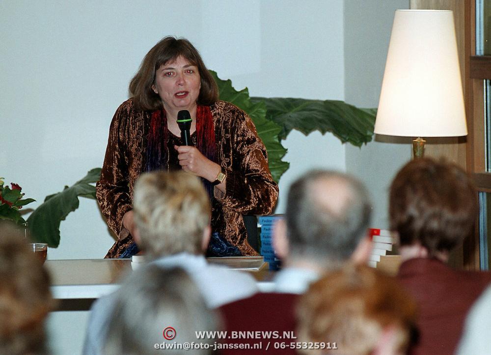 Lezing schrijfster Pauline Shot bibliotheek Huizen